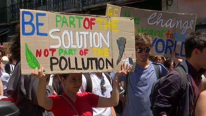 School strike for climate: Youth demand action againt climate change
