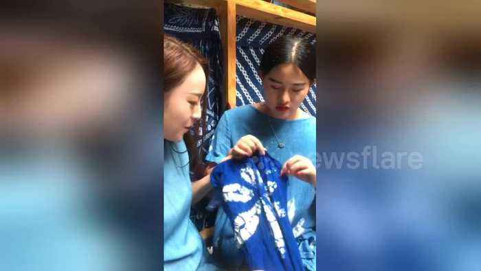 Watch how the Chinese Bai ethnic minority tie-dye clothes