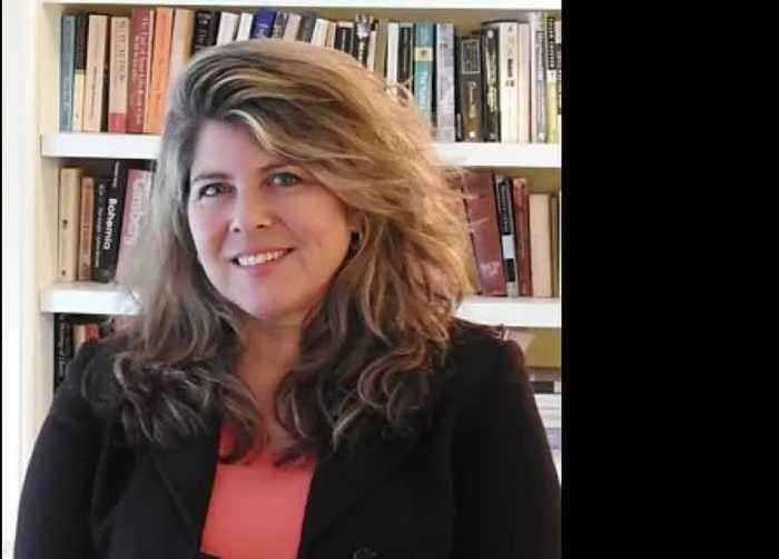 CRINGE: Naomi Wolf On Live Radio.