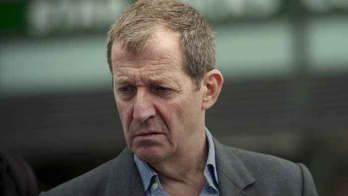 Alastair Campbell expelled from Labour for voting for Liberal Democrats