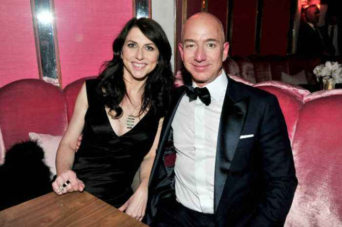 MacKenzie Bezos Pledges Half of Divorce Settlement to Charity
