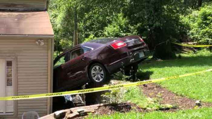Web Extra: Car Slams Into House In Spring Hill