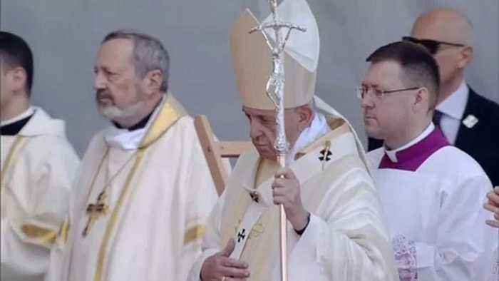 Pope Francis in Romania warns against division through ideology