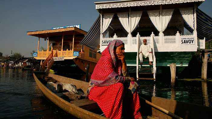 Kashmir: Dal Lake houseboats to be removed