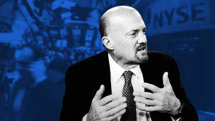 Jim Cramer Weighs In on Salesforce Earnings, Tim Cook's Comments and the Markets