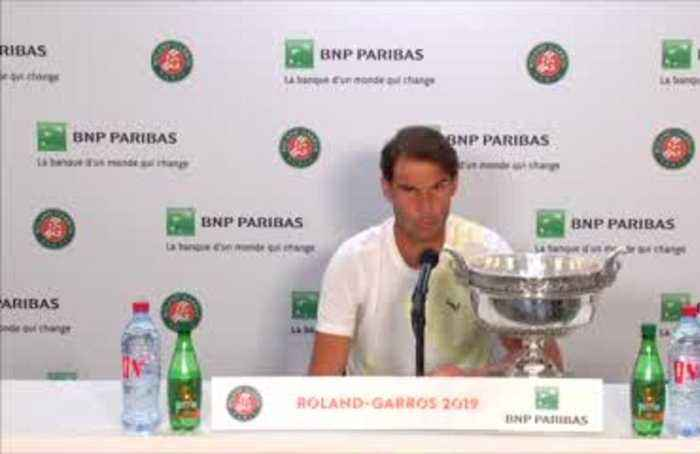 Nadal says not obsessed about Federer's record