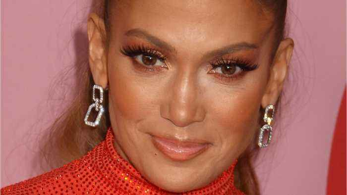 Jennifer Lopez And 11-Year-Old Daughter Perform Duet
