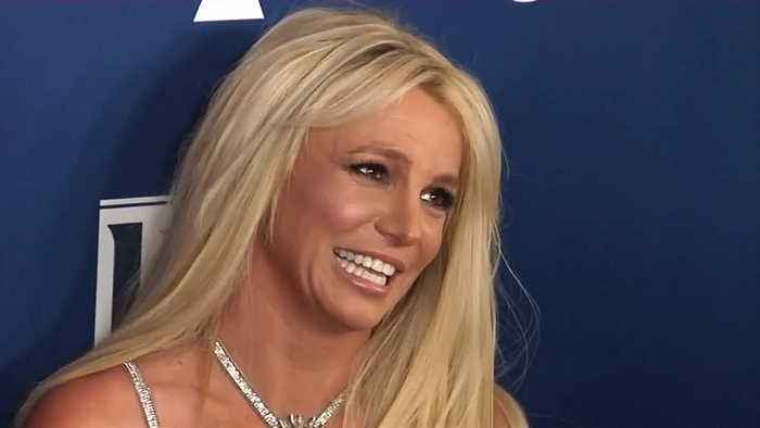 Britney Spears accuses paparazzi of altering images of her