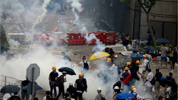 Hong Kong: Protests turn to chaos over extradition bIll