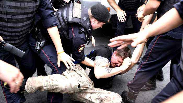 Hundreds arrested at Moscow protest over Ivan Golunov's arrest