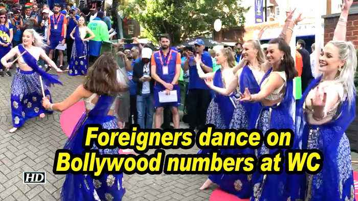 Foreigners dance on Bollywood numbers at WC