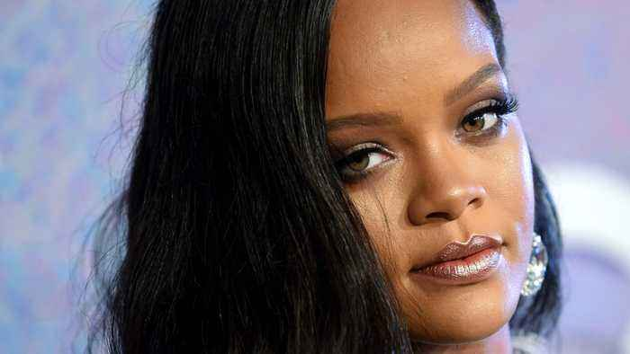 How Rihanna Keeps Her Head Straight With This Simple Calendar Technique