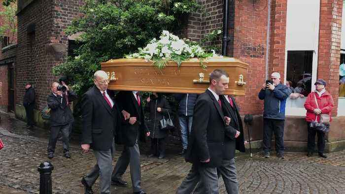Fans of Freddie Starr gather for his funeral