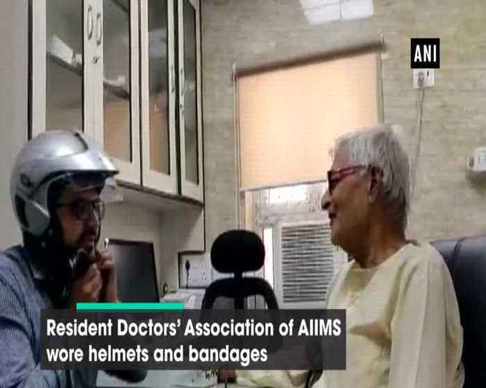 Doctors of AIIMS Delhi stage unique protest over assault on junior doctor in WB