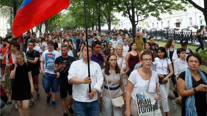 Hundreds Rally In Moscow To Support Jailed Journalist Ivan Golunov
