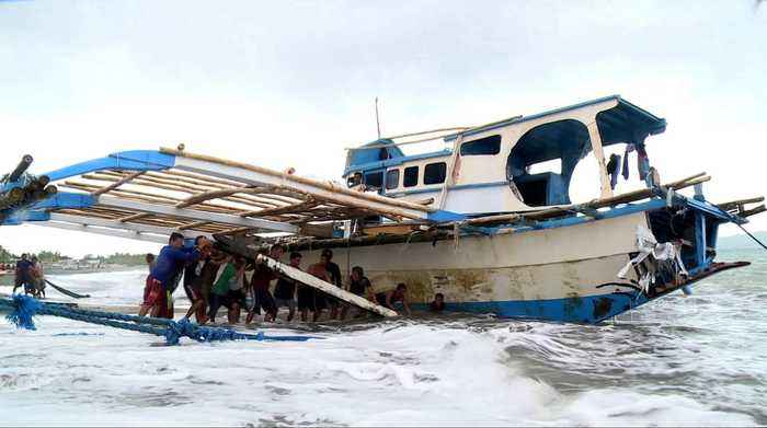 Philippines seeks probe into boat sinking by Chinese vessel