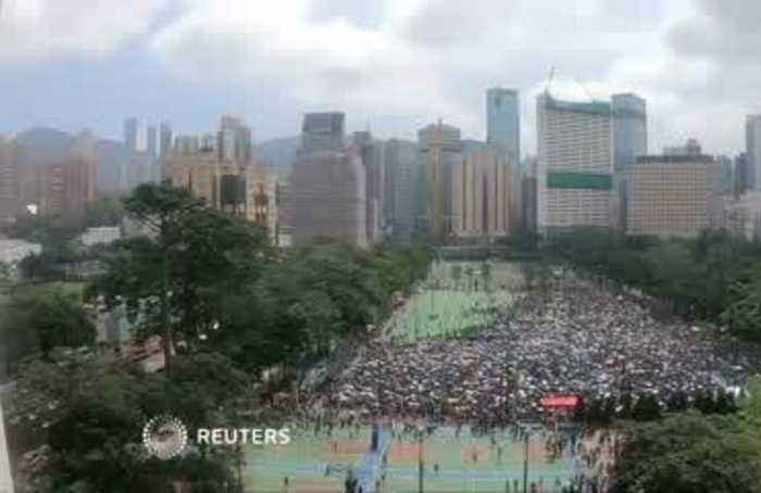 Timelapse of Hong Kong protesters filling the streets in protest against extradition bill
