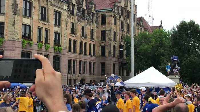 Blues Goalie Hypes Up Crowd at Stanley Cup Parade in St Louis