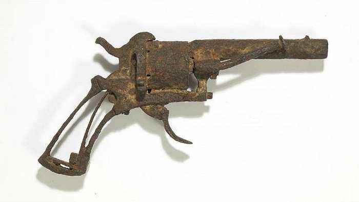 Revolver believed to have been used by Van Gogh to kill himself sold at auction