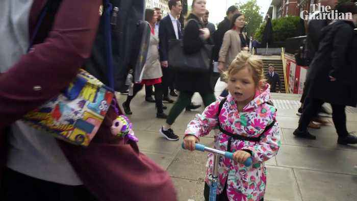 London's toxic school runs: how polluted is the air children breathe? - video