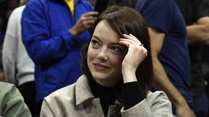 Emma Stone reportedly breaks her shoulder in fall at Spice Gilrs gig