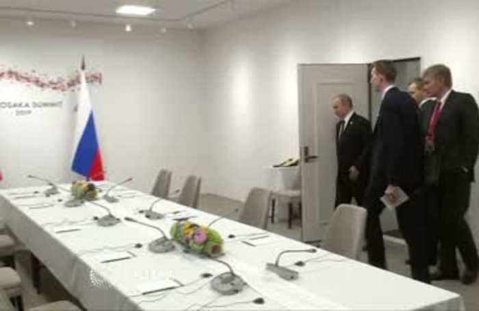 May and Putin meet at sidelines of G20