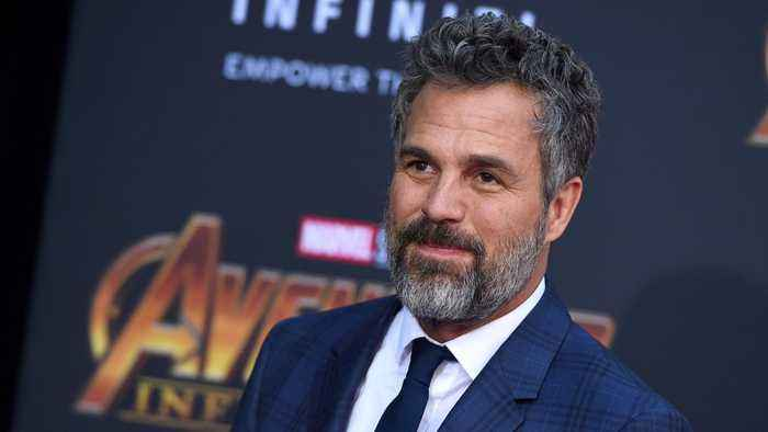 Marvel Ruffalo Encourages Fans To See 'Avengers: Endgame' Again With 'Fat Thor' Photo