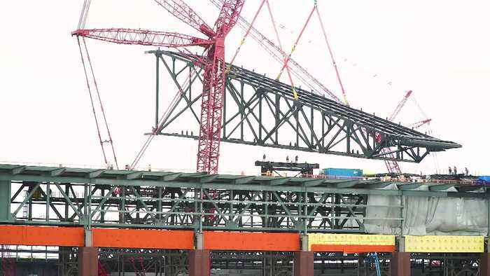 First Retractable Roof Trusses Installed At Globe Life Field