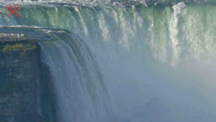Man Swept Over The Largest Waterfall at Niagara Falls and Survives