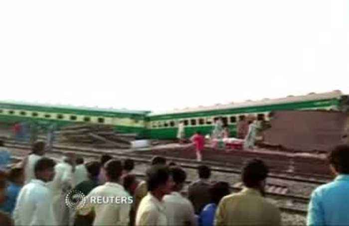 At least 11 people killed in Pakistan train crash