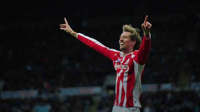 Peter Crouch retires from football
