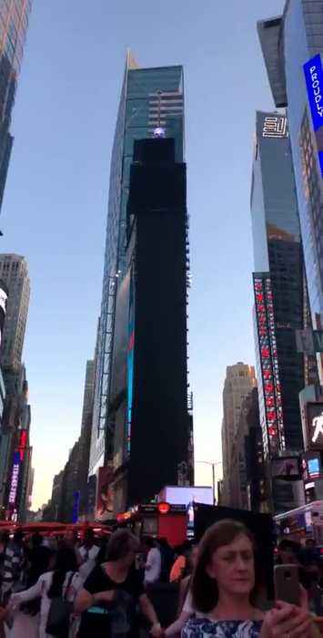 Power outage in Manhattan turns Times Square billboards dark
