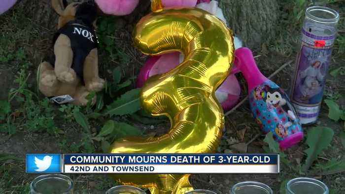Strangers mourn 3-year-old killed in road rage shooting