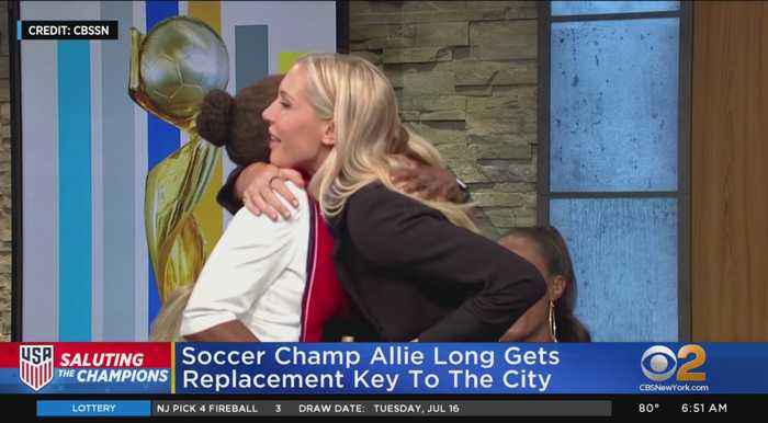 Allie Long Gets New Key To NYC