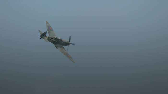 Spitfire to fly around the globe in world first