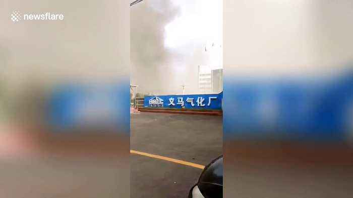 Massive gas plant explosion sends huge smoke into the sky in China's Yima