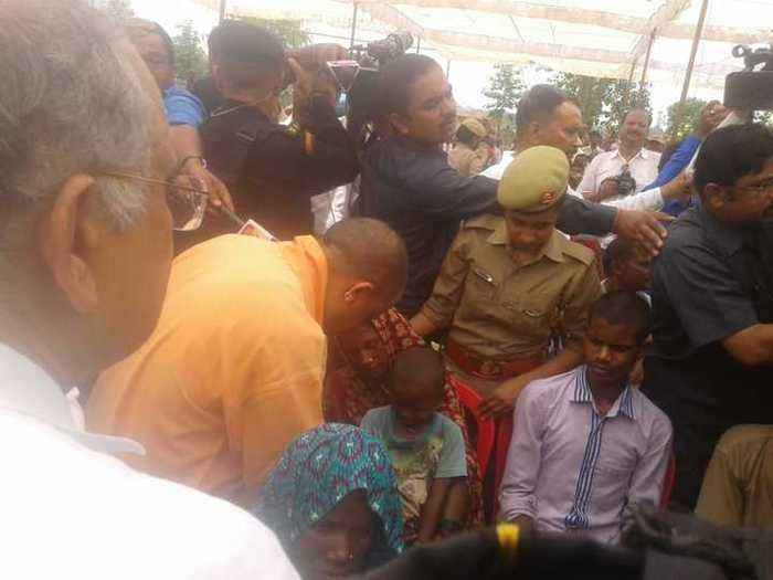 After Priyanka Gandhi, Adityanath meets families of Sonbhadra shooting survivors