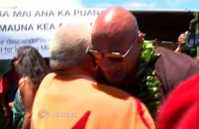The Rock joins Hawaiian protesters against telescope