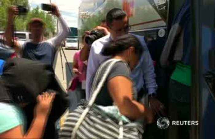 Tired of waiting, migrants return home
