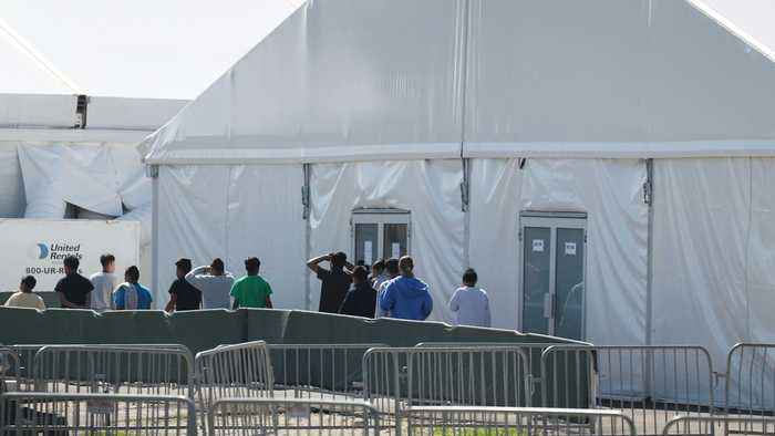 HHS Discharges Last Migrant Children From Florida Facility