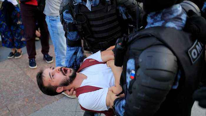How heavy-handed are Russian police compared to elsewhere in Europe?