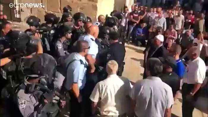 Israeli police clash with Palestinians at Eid al-Adha gathering in Jerusalem