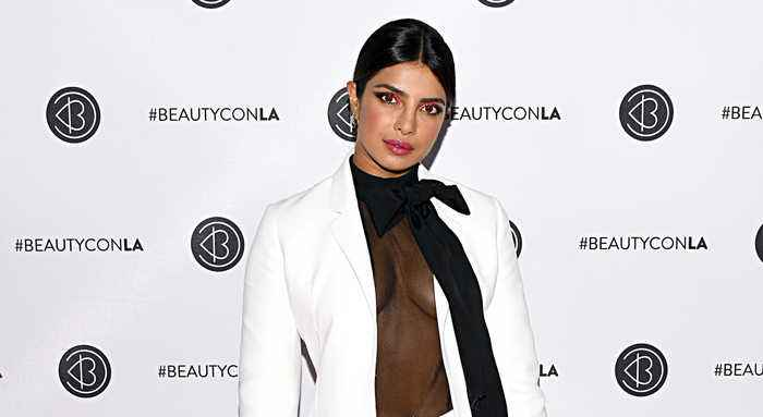 Priyanka Chopra Confronted by Beautycon Audience Member Over India Pakistan Views | THR News