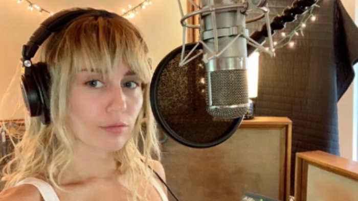 Miley Cyrus returns to recording studio after Liam Hemsworth split