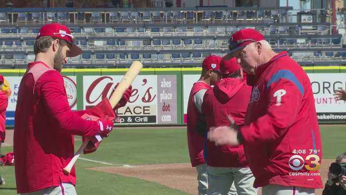 Phillies Hire Charlie Manuel As New Hitting Coach, Fire John Mallee