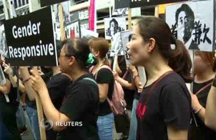 Protesters in Taiwan demand apology from Japan