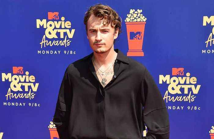Brandon Lee slams Miley Cyrus and Kaitlynn Carter for vacation kiss