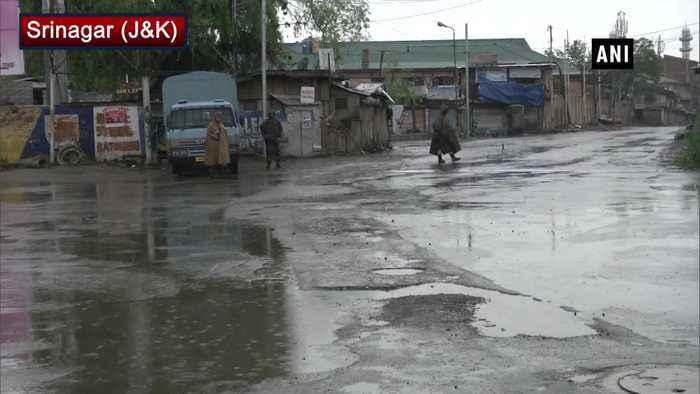 JK ADGP Munir Khan asks Kashmiris to celebrate 15th August dabake