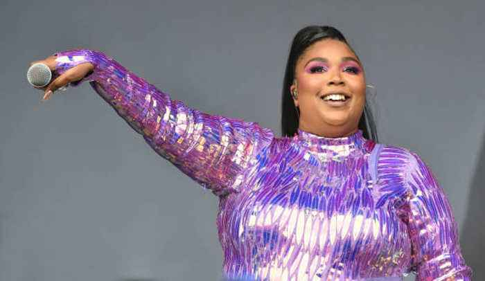 Lizzo wants to date a Hemsworth