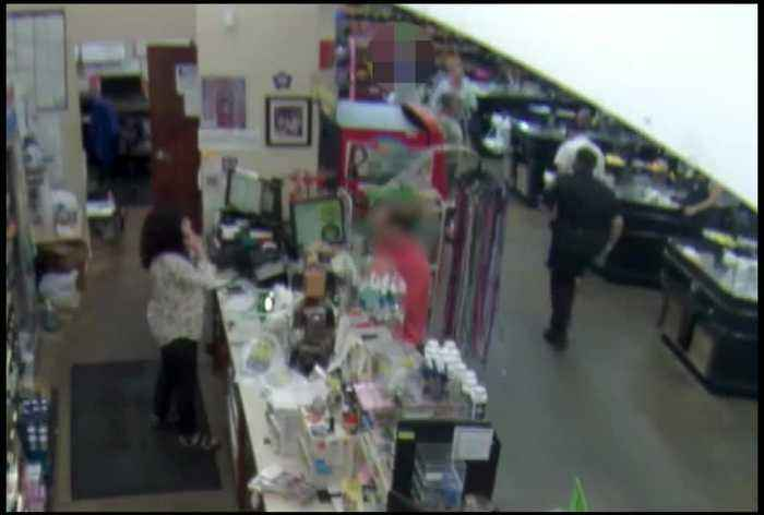 I-Team witnesses theft attempt while covering shoplifting